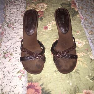 Brown suede and leather heels, light wear
